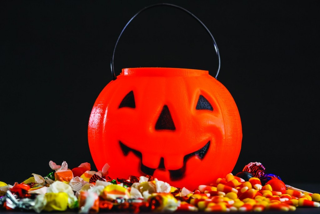 The forty-fourth Halloween Party will take place on Sunday, October 30 in the Greenbush school site gym from 3:00 to 5:00 pm. The event will include costume judging, games, balloons, and many treats, including caramel apples, cookies, and much more.