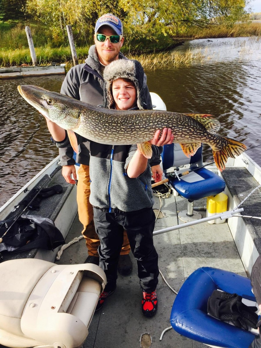 Lake of the woods mn fishing report page 1 publications for Rainy lake fishing