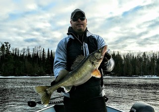 jaosn groll guide rainy river walleye