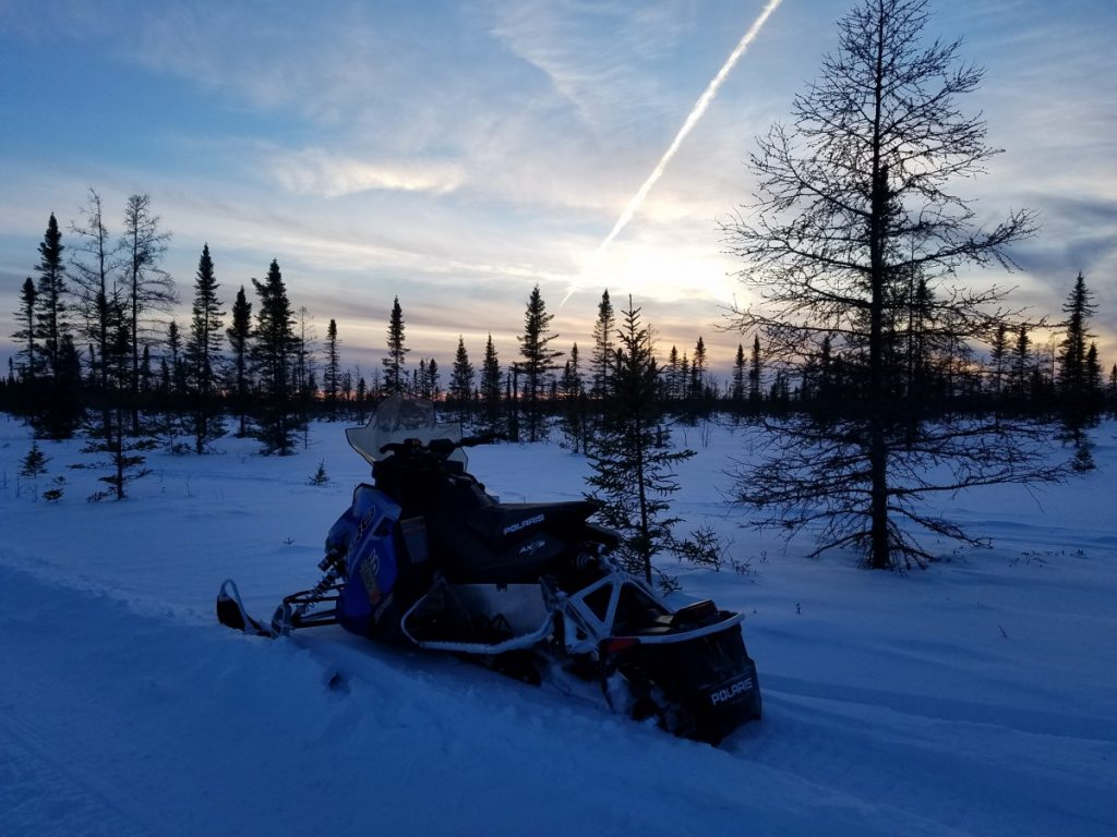 polaris-snowmobile-lake-of-the-woods