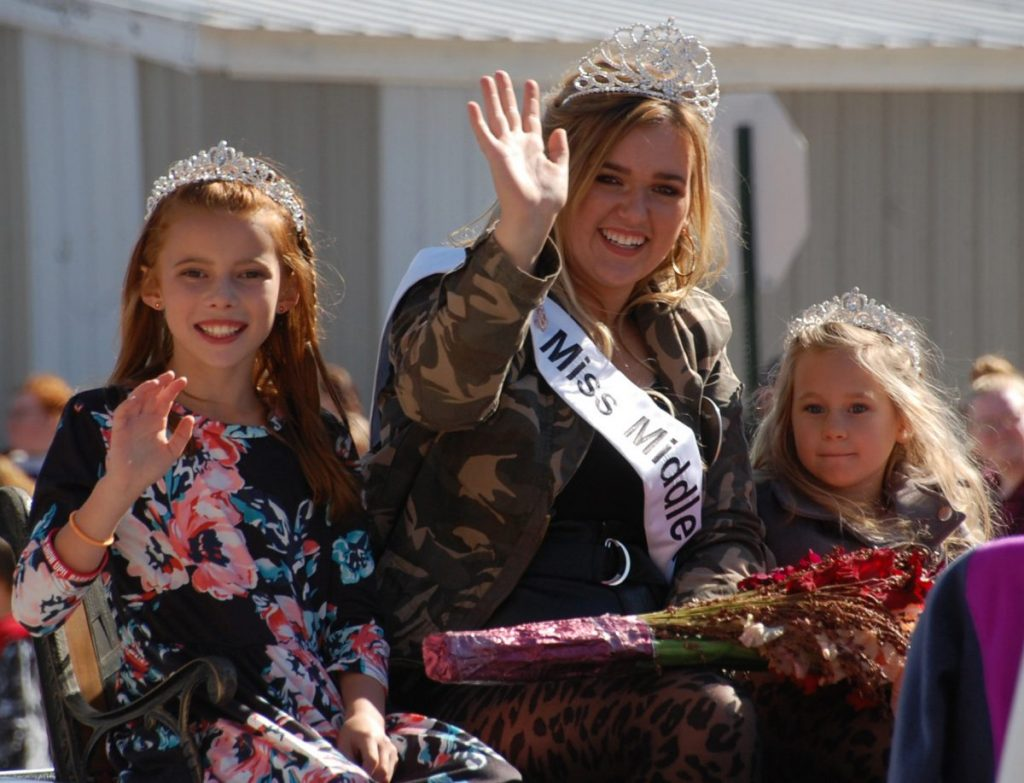 Shown with Miss Middle River Piper Sondreal during the Goose Fest parade on September 28 are Bella Gerardy (left) and Sophie Sundberg (right). (photo by Ryan Bergeron)