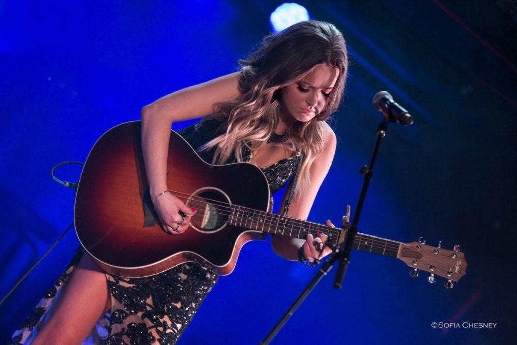 Dariann Leigh (also known as Dariann Wikstrom, of Karlstad) had the honor of performing at the Midwest Country Music Association Awards after she was nominated for two awards: New Artist of the Year and Music Video of the Year.